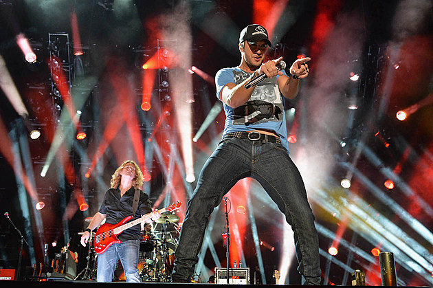 Luke Bryan live photos