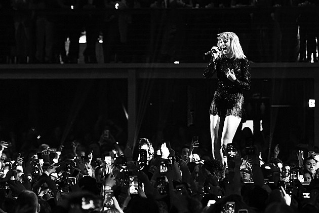 Taylor Swift groping lawsuit 2017