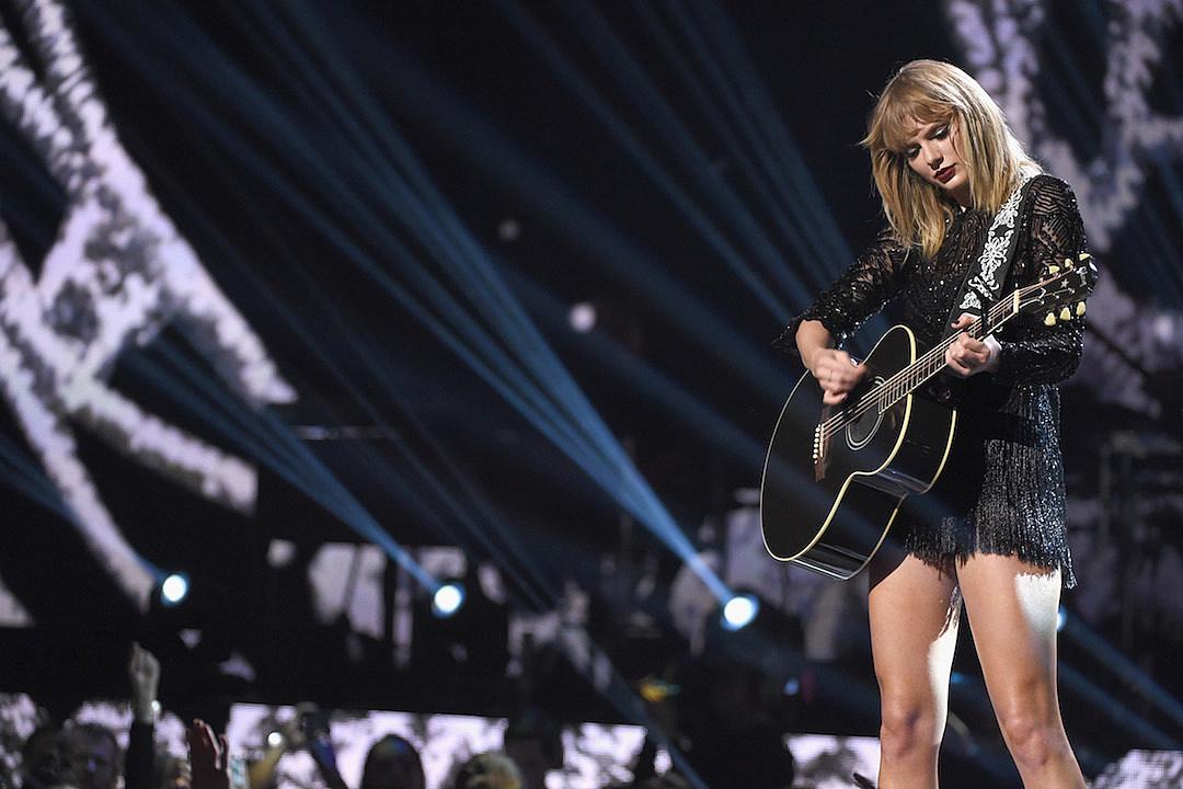 Swift returns to Spotify