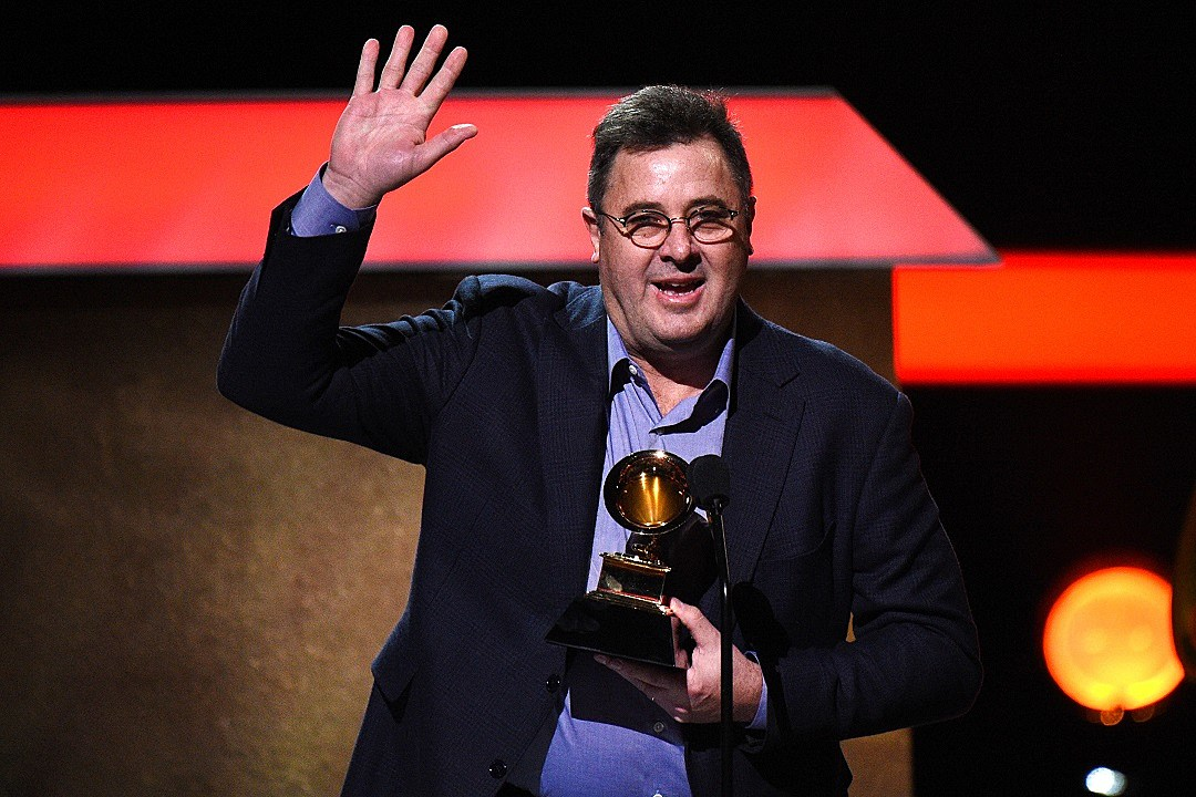 Vince Gill joins the Eagles for festival shows