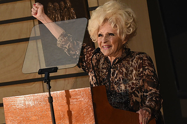 Brenda Lee Breaks Her Foot Forced To Cancel Concerts