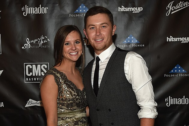 Scotty McCreery engaged