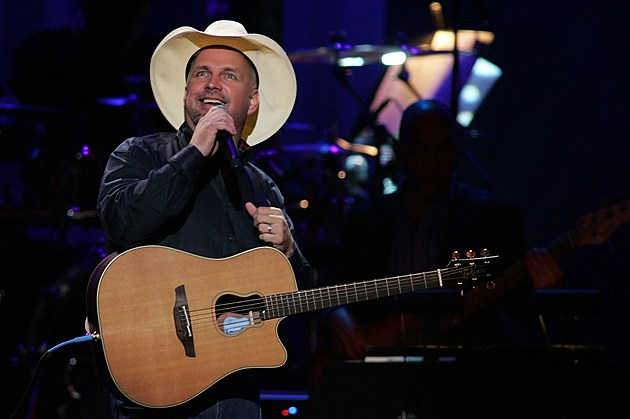 Garth Brooks CMA Entertainer of the Year