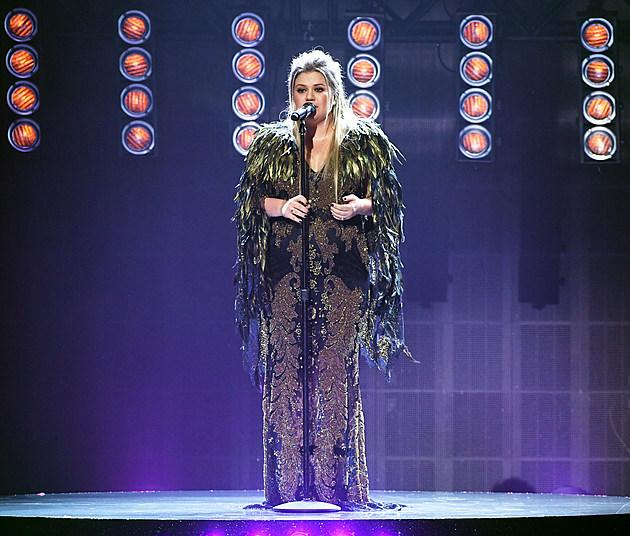 Kelly Clarkson 2017 AMAs