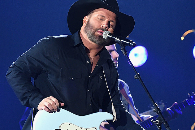 Garth Brooks Entertainer of the Year