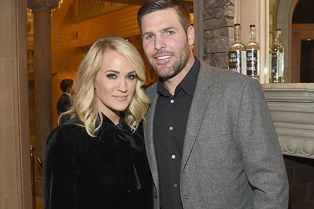 Carrie Underwood Mike Fisher CMAs