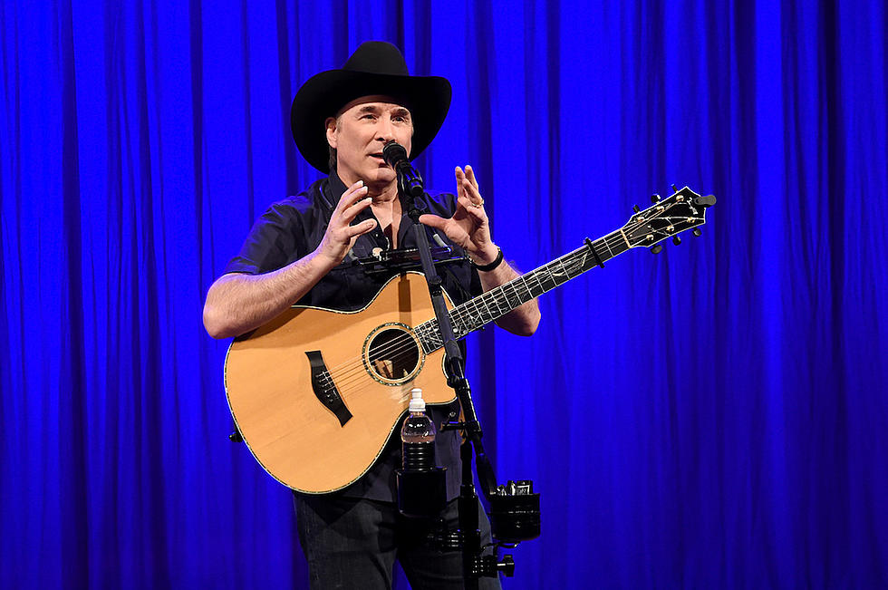 clint black to debut his original musical looking for christmas in november 2018 - Black Christmas Music
